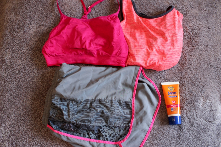 active-outfit-california-road-trip