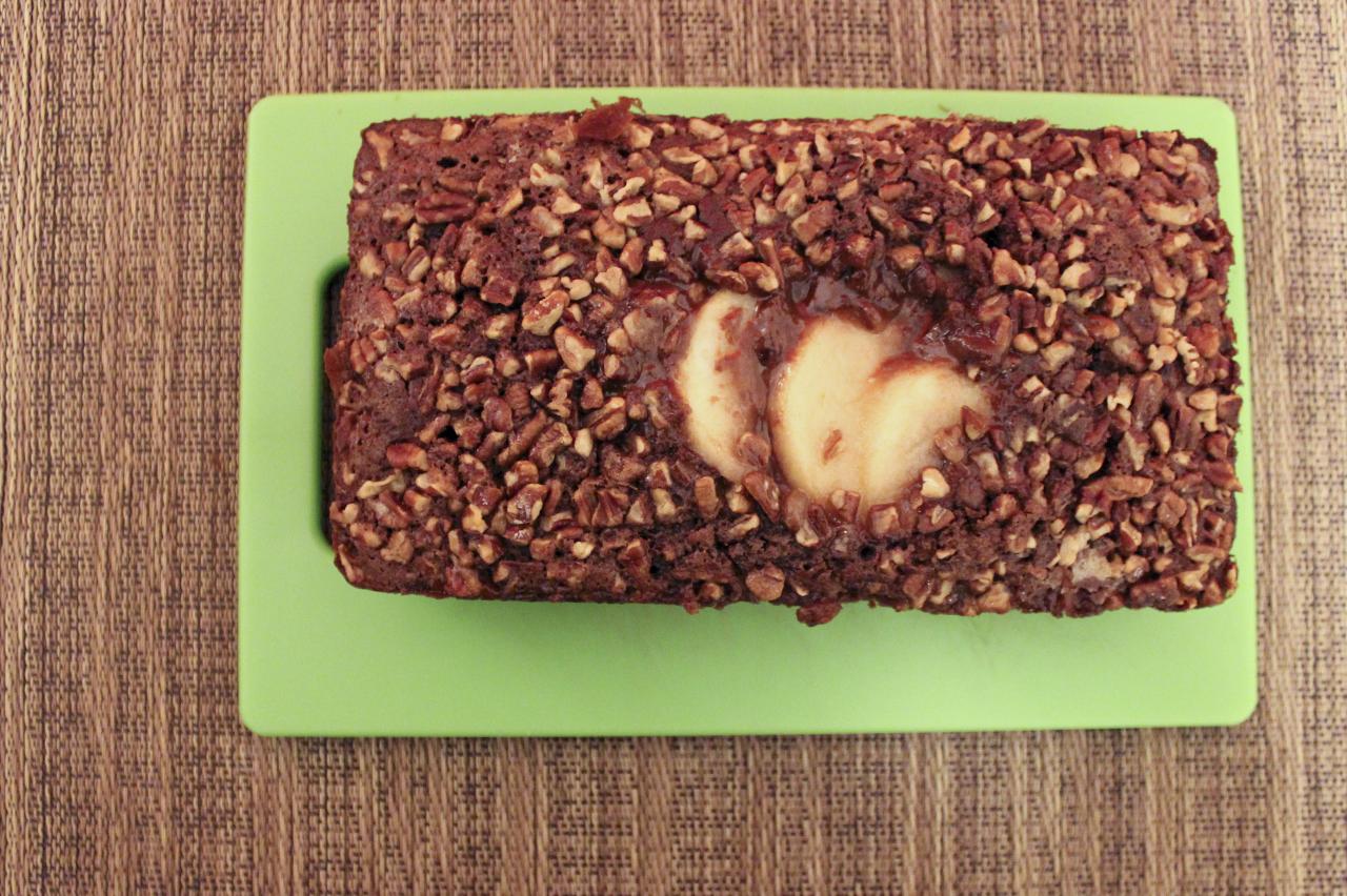 chocolate-pear-loaf