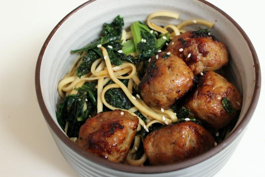 Teriyaki meatballs with udonnoodles